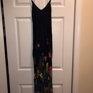 Old Navy floral maxi dress size small